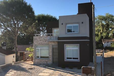 Casa Nueva a Estrenar para 6 pers. a 400 mts playa