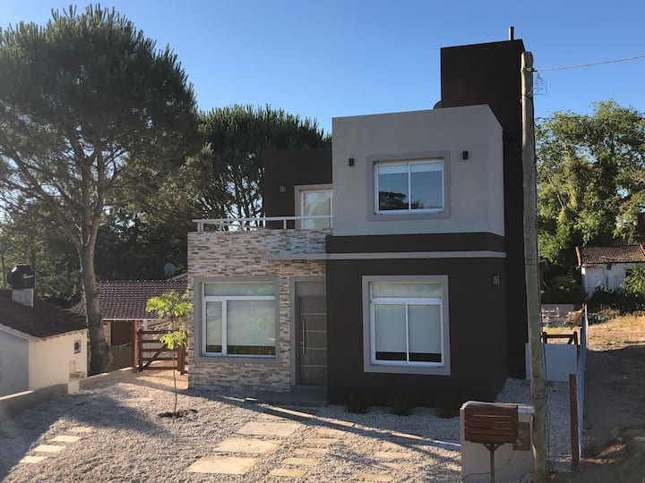 Casa N°1 Nueva en PB para 6 pers. a 400 mts playa