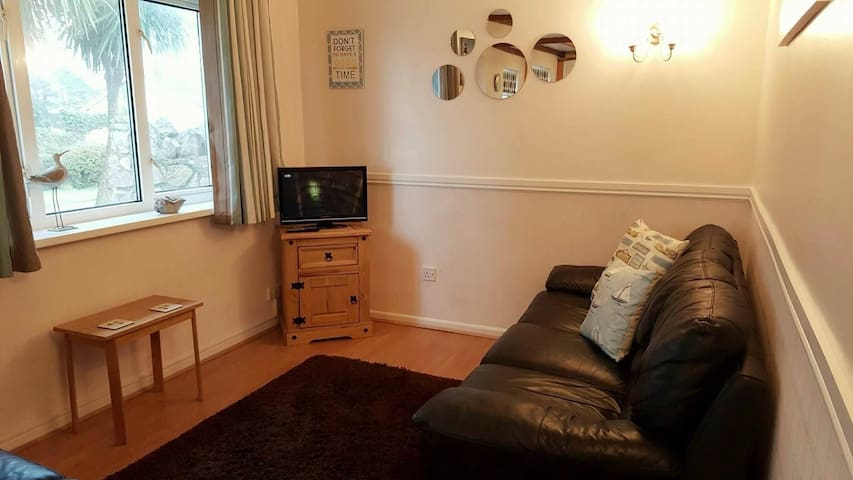 Cosy coast path bungalow Brixham - Brixham
