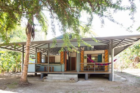 La Casita: Osa wildlife and beach house