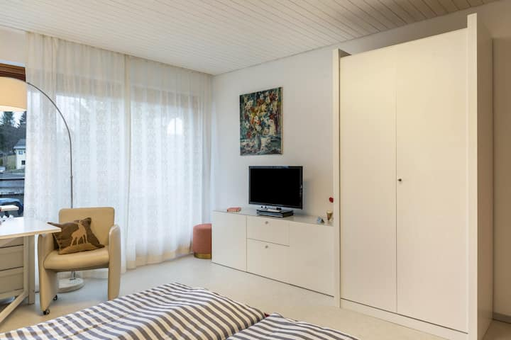 "Modern Holiday Apartment ""Ferienwohnung Nina"" with Mountain View, Wi-Fi, Balcony, Sauna & Pool; Parking Available"