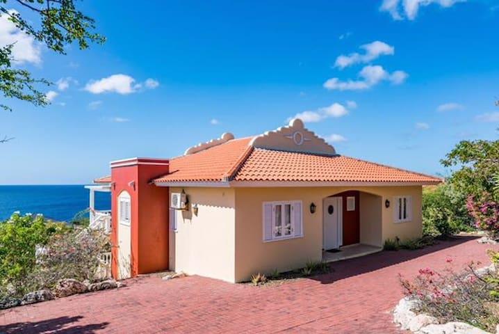 Vakantiewoning Curaçao, Coral Estate, St. Marie