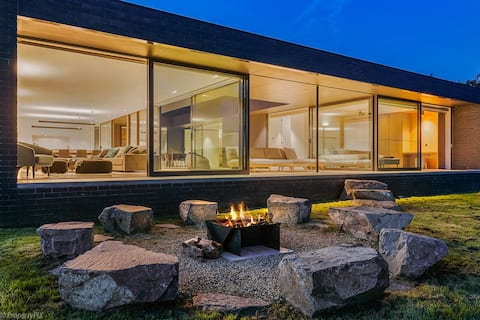 Relaxed luxury with Incredible Views