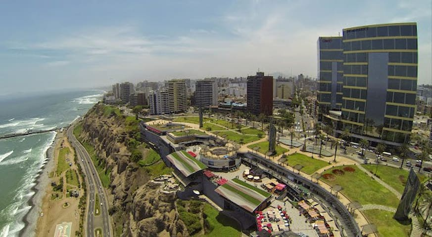 The Best Area Of Miraflores!  (Very touristic) - Distrito de Lima - Departamento
