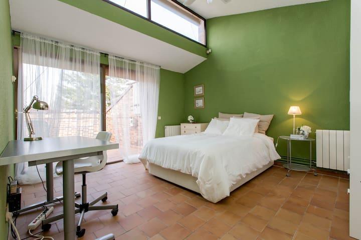 Habitación individual en chalet - Villafranca del Castillo - House
