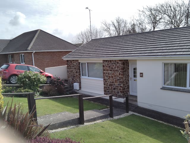 Bude, Lovely Bungalow,