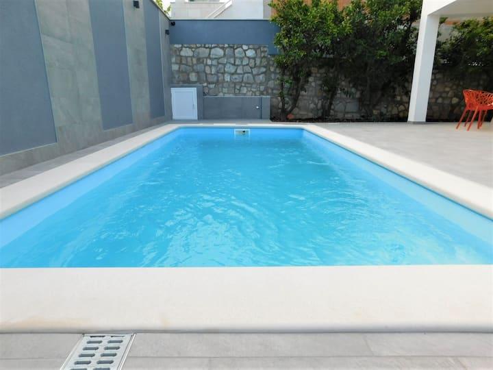 Villa Maja with pool - Gold studio apartment