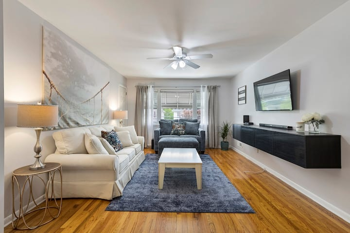 Close to NYC * FAST WiFi * King Bed * Free Parking