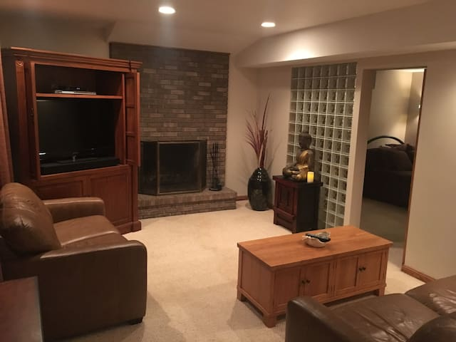 Gorgeous & Private 2 Bedroom In-Law Apartment