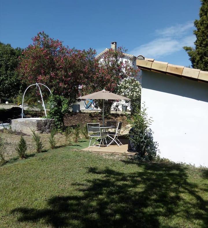 Gîte l'Amandier - jardin -piscine - boulodrome - P
