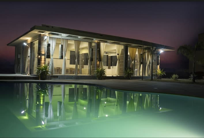 Kaman Villa - Lonavala - 3 BHK - Swimming Pool