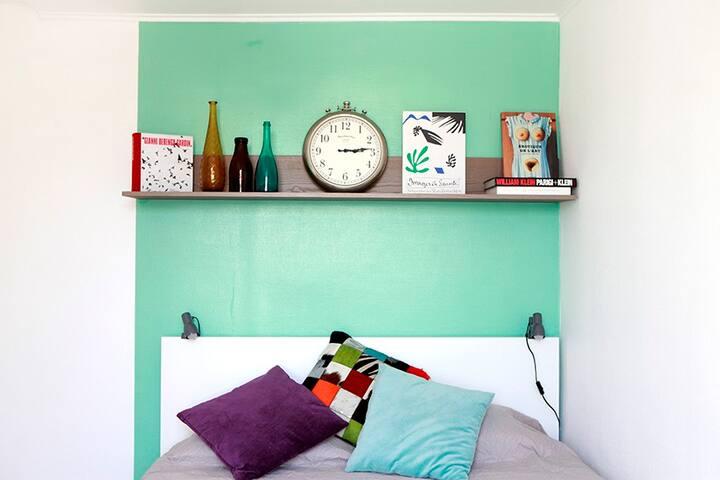 Chambre; double lit king size d'excellente qualité