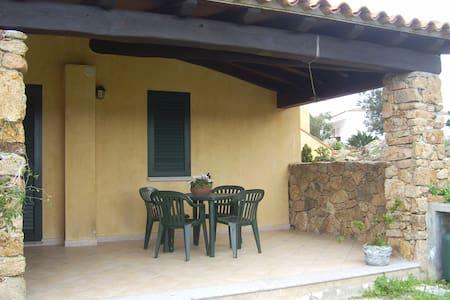 Casa Ava Calaliberotto - 오로세이(Orosei)