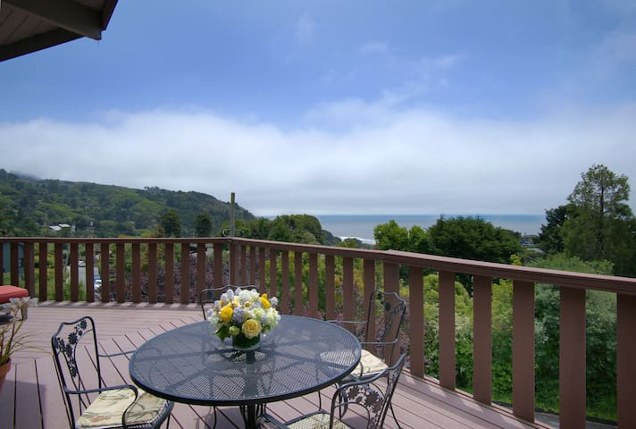 Views!!! Overlooking Stinson Beach Private Hot Tub