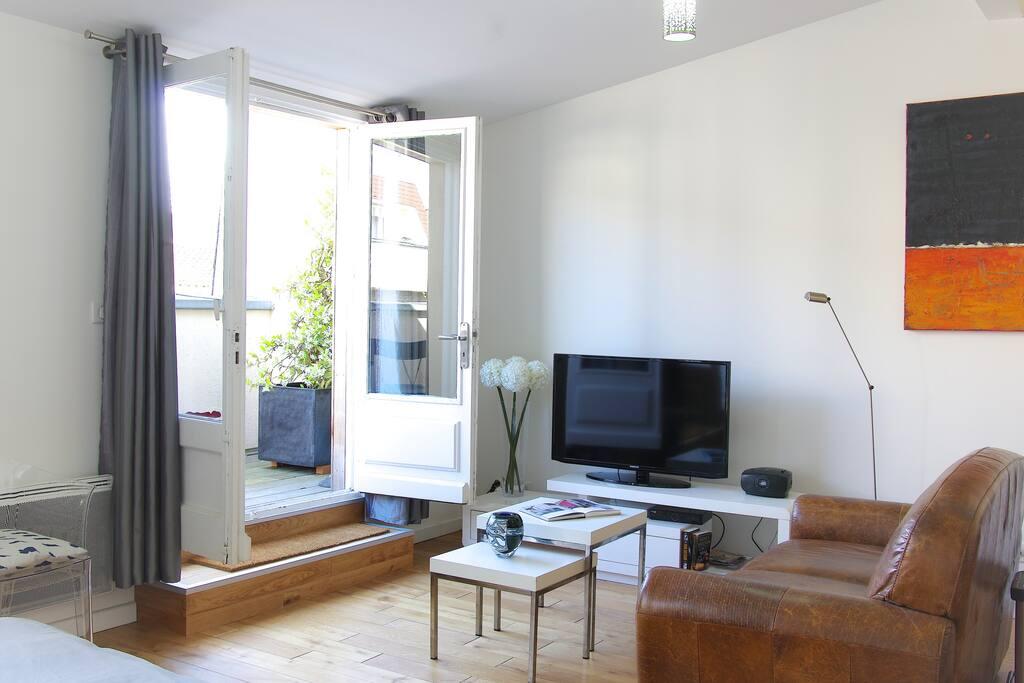 Appart ascenseur terrasse bordeaux plein centre for Location appartement terrasse bordeaux