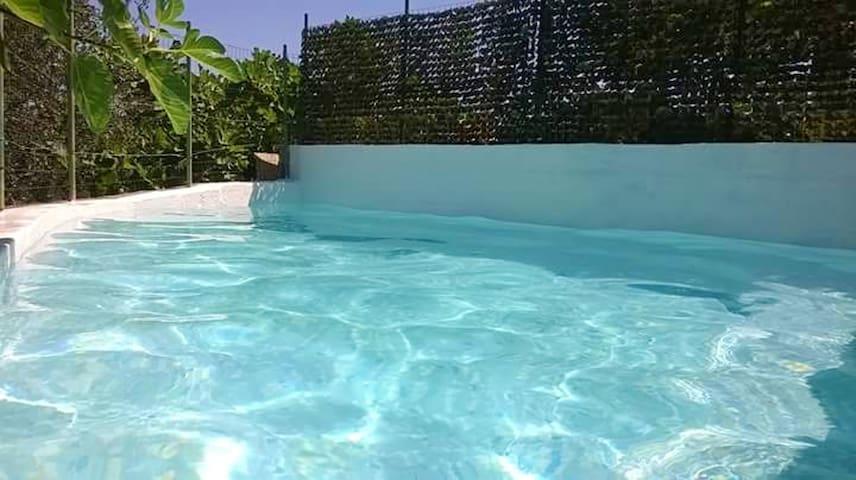Geräumige Fewo mit schwimmbad