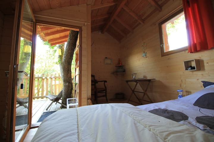 Cabane du chene-Log Cabin-Standard-Ensuite with Shower-Countryside view