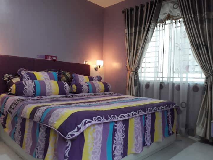 A comfy monie's house in Batam Western Area. 6 pax
