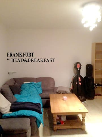 Frankfurt Near train station - Frankfurt am Main - Bed & Breakfast