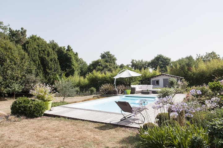 Chambre double, SDB & piscine - Bouliac - House