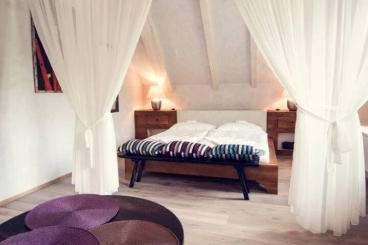 Romantic Vineyard 2 bed Apartment - Wedding suite
