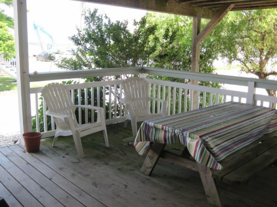 Apartment 2 porch
