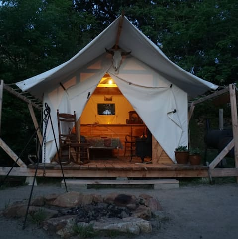 "Comfortable Cozy Tent Cabin in a Backyard ""Camp"""