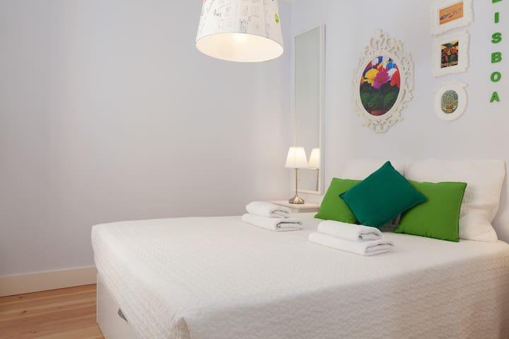 "Typical Flat in Vila Maria  "" popular festivals"" - Lisbon - Apartment"