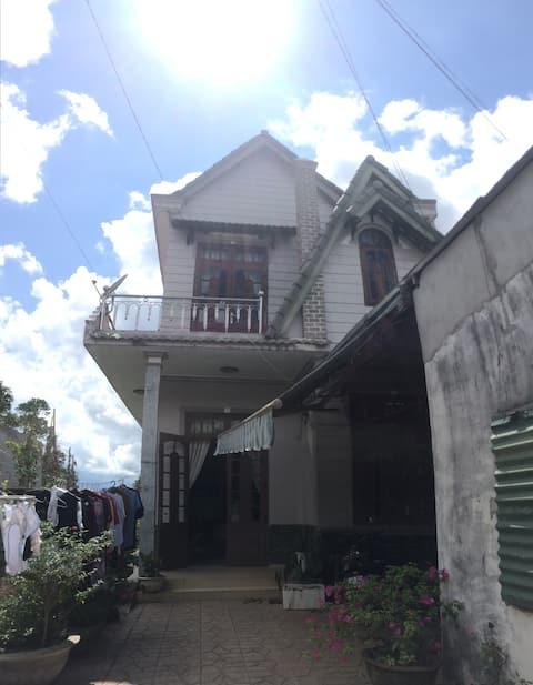 Co Fuong's house