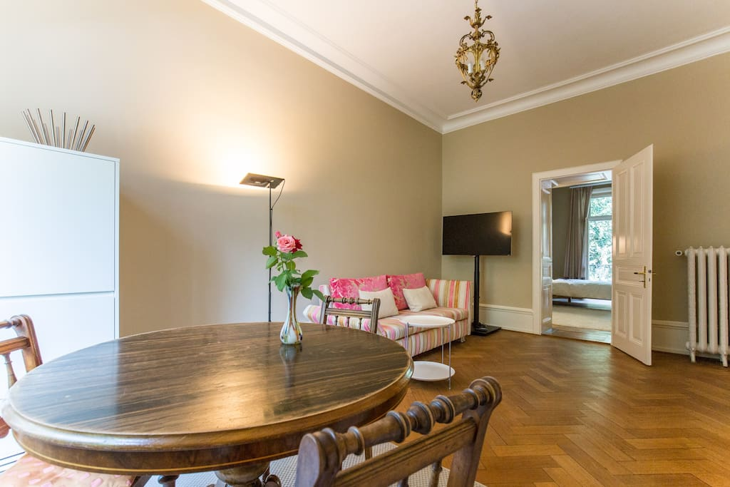 Good mixture of modern design and antique furniture
