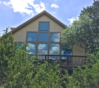 Cozy Canyon Lake Get-a-way! - Canyon Lake - House
