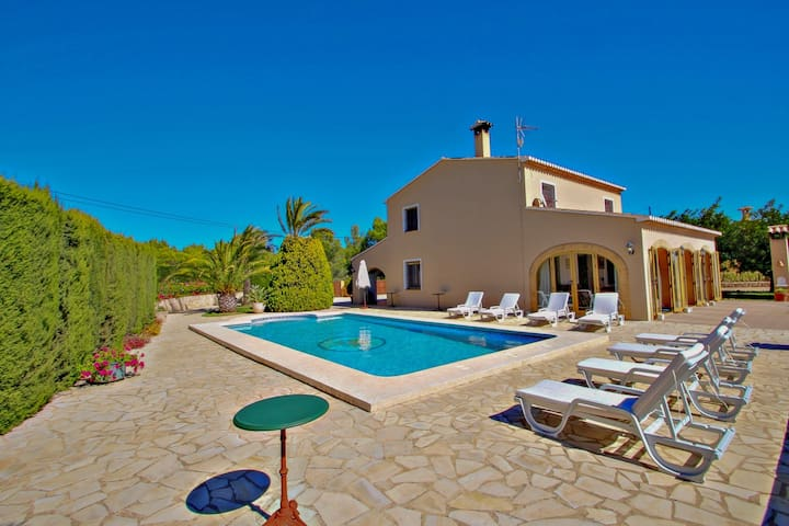 Finca Cantares - holiday home with private swimming pool in Benissa