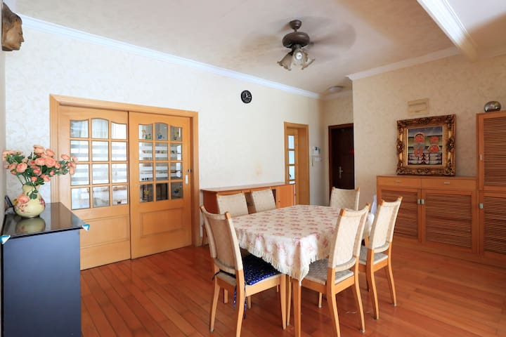 4 BedRm Apt in Hongqiao for Big Family and Group - Shanghai - Lejlighed