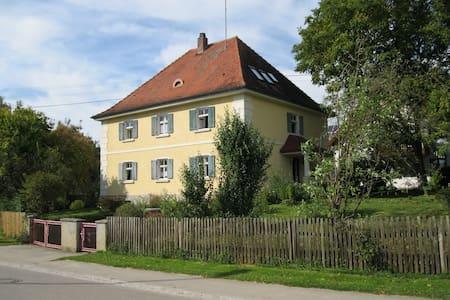 Landhaus mit großem Garten - Dinkelscherben