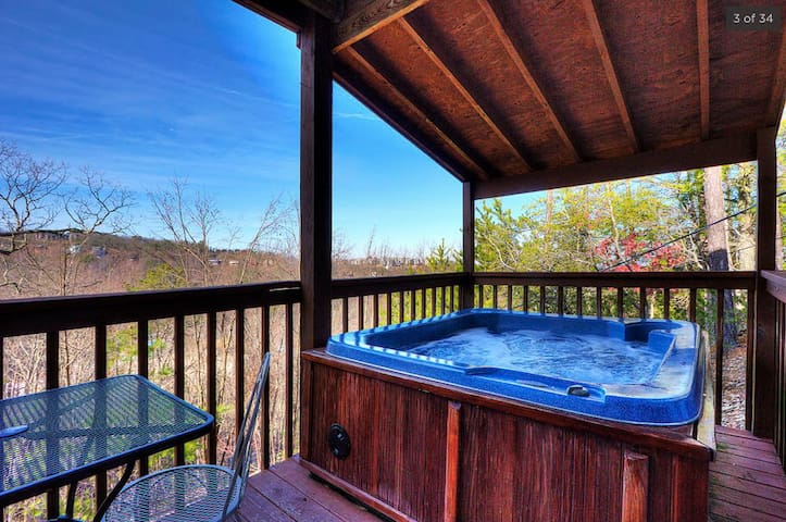 ★ Spacious & comfortable ★ views of Gatlinburg - Gatlinburg - Chalet
