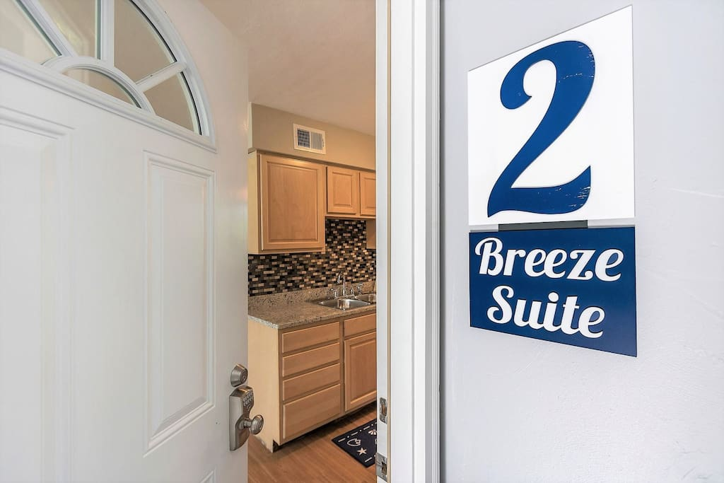 Beach Cottage Breeze Suite 2 Bed 1 Bath Condo 1 Block From Beach Apartments For Rent In