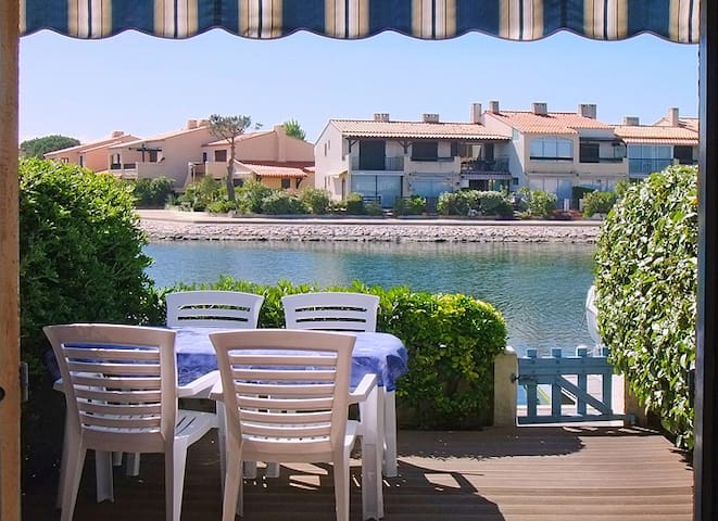Charming quiet house on the water! - Saint-Cyprien - Casa