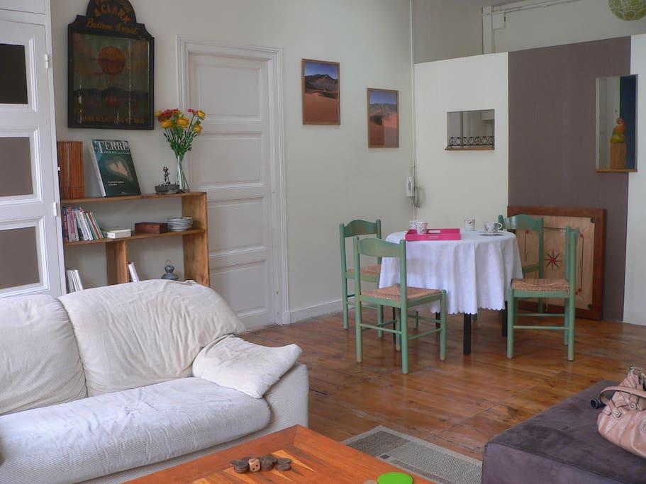 Suite salon chambre salle d 39 eau chambres d 39 h tes for Chambre d hote autour de la rochelle