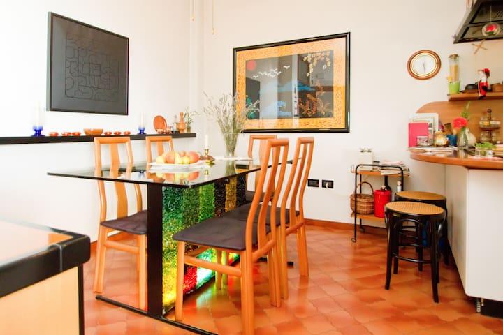 Your breakfast table (indoor)