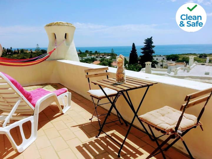 Stylish peaceful apartment, terrace with sea view