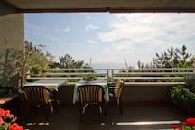 your breakfast table (outdoor)