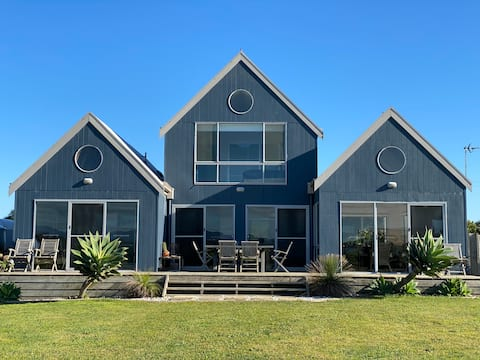 Blue Beach House at Wilson's Prom