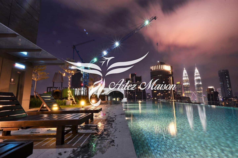 Infinity Pool Night View
