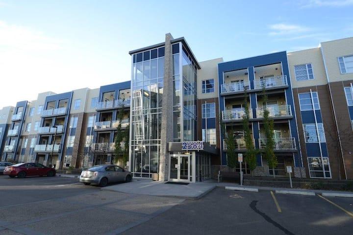 SW Edmonton - 1 Bedroom main level condo-Furnished