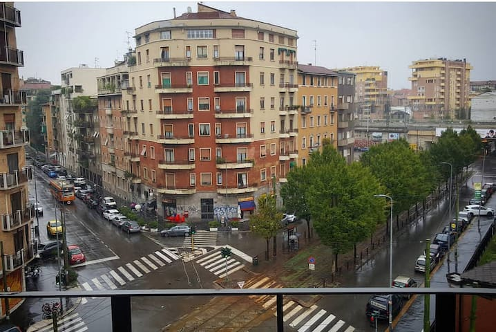 Friendly flat in Lambrate close to the city center