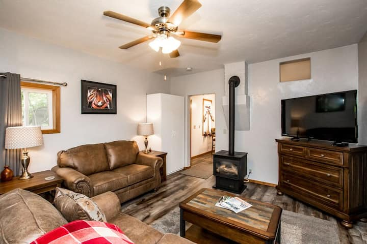 Freshly remodeled 1 bed/1 bath- Downtown Whitefish, Montana