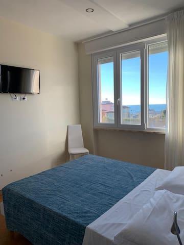 Camera n.19, bagno e A.C, B & B a 500 m dal mare
