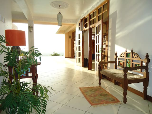 Beach and Golf Villa - Vila