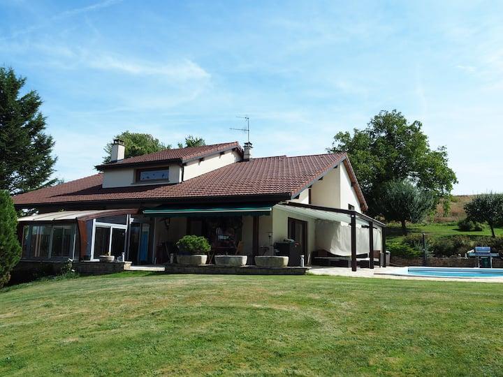Magnifique villa proche de Genève (Viry-France)