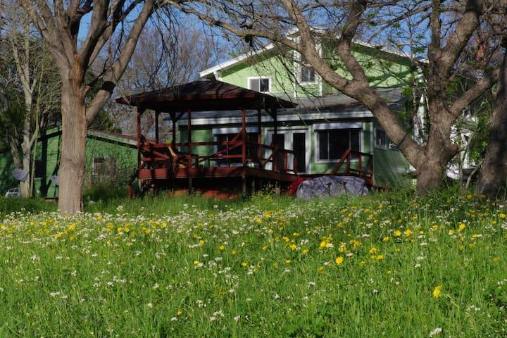 Hidden Gem on the San Marcos River! - Fentress - House